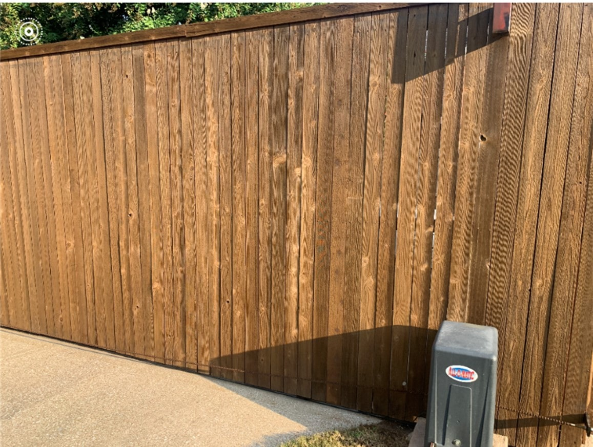 will stain cover the knots in the fence